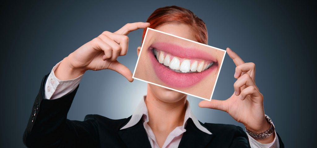 communiceer effectief met een glimlach